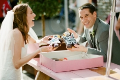 voodoo-donuts-wedding-cake-14